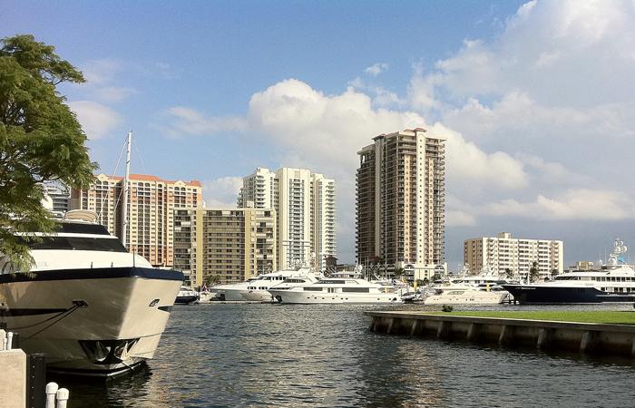 South Florida Luxury Waterfront Condominiums